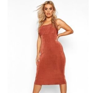 Plus Ruched Bodice Textured Slinky Midi Dress,18